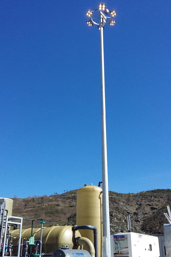 Scarpino—Amiu-Spa-installazione-di-nuova-torre-faro-a-led-presso-la-discarica-di-scarpino