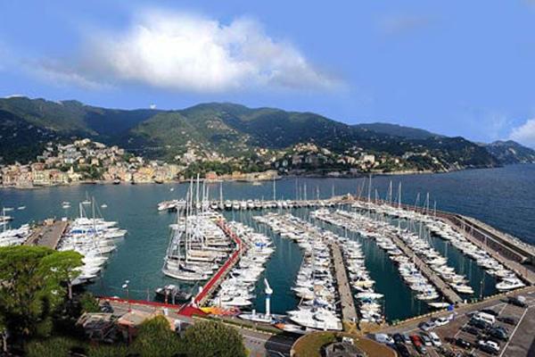 Porto-Internazionale-di-Rapallo—ripristino-degli-impianti-elettrici-del-porto-dopo-la-mareggiata-dell'Ottobre-2018