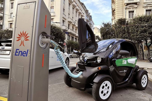 Università-di-Genova—installazione-di-colonnine-di-ricarica-Enel-per-autoveicoli-elettrici